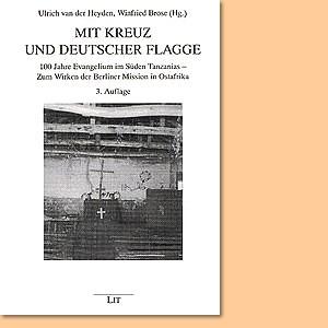 Mit Kreuz und deutscher Flagge