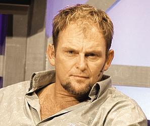 <b>Steve Hofmeyr</b> ist ein Sänger, Schauspieler und Autor aus Südafrika. - hofmeyr-steve